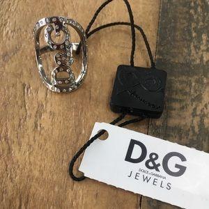 D & G ring